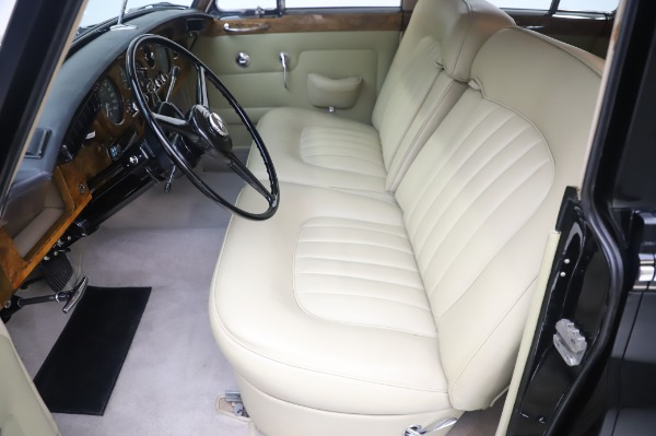 Used 1965 Rolls-Royce Silver Cloud III for sale $99,900 at Aston Martin of Greenwich in Greenwich CT 06830 16