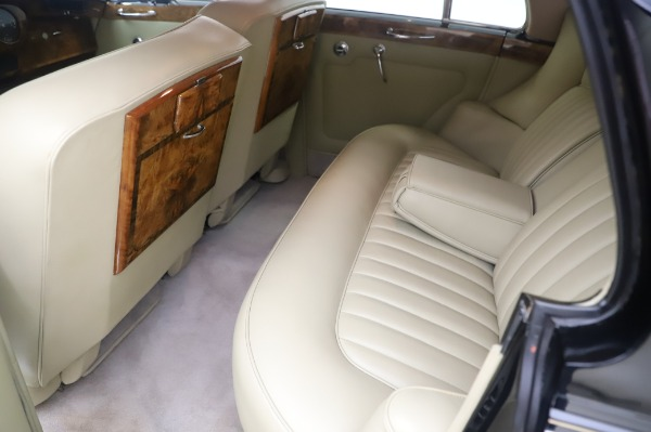 Used 1965 Rolls-Royce Silver Cloud III for sale $99,900 at Aston Martin of Greenwich in Greenwich CT 06830 19