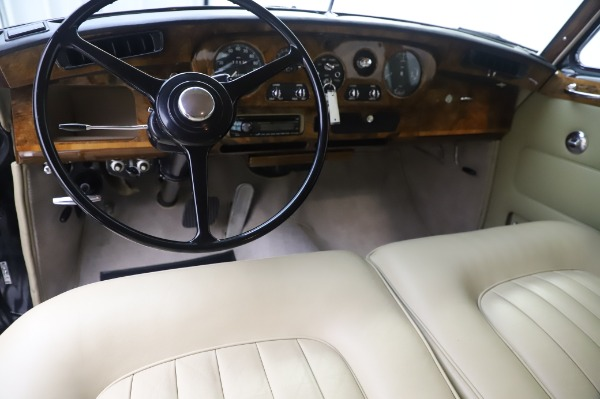 Used 1965 Rolls-Royce Silver Cloud III for sale $99,900 at Aston Martin of Greenwich in Greenwich CT 06830 21