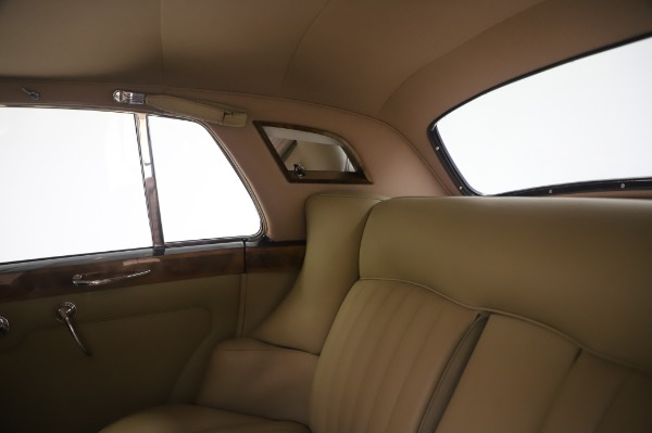Used 1965 Rolls-Royce Silver Cloud III for sale $99,900 at Aston Martin of Greenwich in Greenwich CT 06830 22