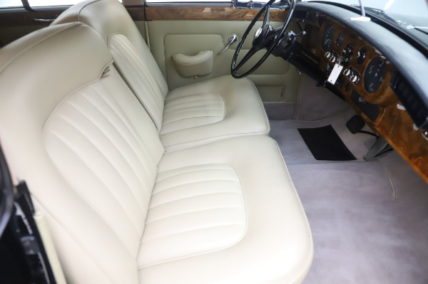 Used 1965 Rolls-Royce Silver Cloud III for sale $99,900 at Aston Martin of Greenwich in Greenwich CT 06830 24