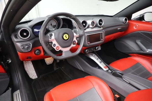 Used 2015 Ferrari California T for sale $141,900 at Aston Martin of Greenwich in Greenwich CT 06830 25