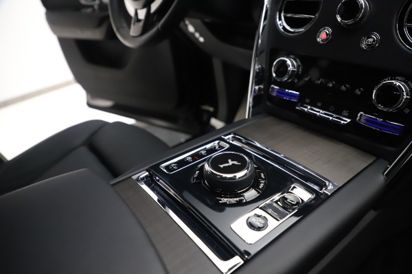Used 2020 Rolls-Royce Cullinan for sale $355,900 at Aston Martin of Greenwich in Greenwich CT 06830 20