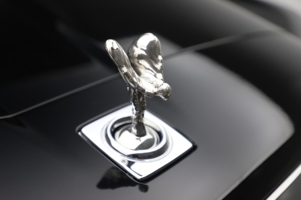 Used 2020 Rolls-Royce Cullinan for sale $355,900 at Aston Martin of Greenwich in Greenwich CT 06830 25