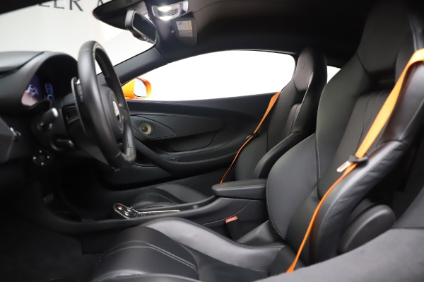 Used 2017 McLaren 570S Coupe for sale $149,900 at Aston Martin of Greenwich in Greenwich CT 06830 17