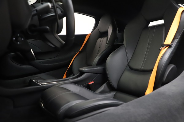 Used 2017 McLaren 570S Coupe for sale $149,900 at Aston Martin of Greenwich in Greenwich CT 06830 18