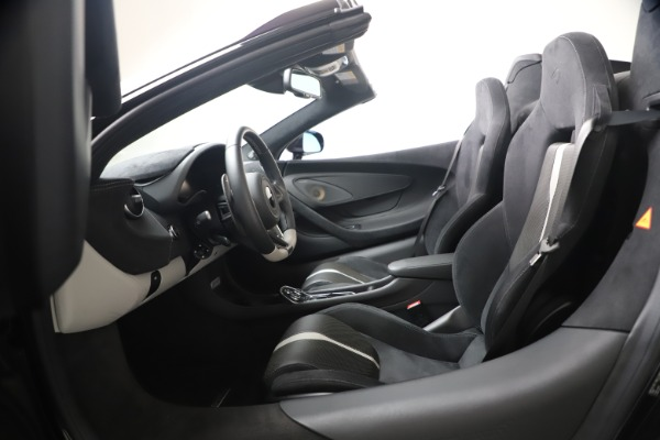 Used 2019 McLaren 570S Spider for sale $186,900 at Aston Martin of Greenwich in Greenwich CT 06830 27