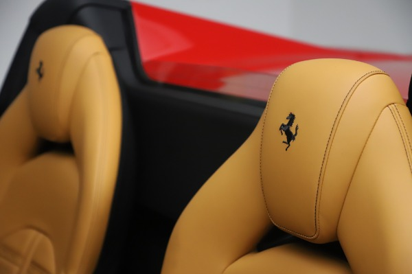 Used 2018 Ferrari 488 Spider Base for sale $289,900 at Aston Martin of Greenwich in Greenwich CT 06830 20
