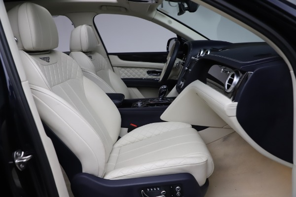 Used 2017 Bentley Bentayga W12 for sale $139,900 at Aston Martin of Greenwich in Greenwich CT 06830 26