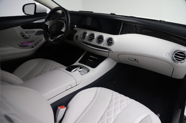 Used 2015 Mercedes-Benz S-Class S 550 4MATIC for sale Sold at Aston Martin of Greenwich in Greenwich CT 06830 19