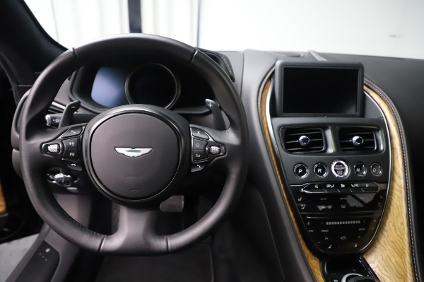 Used 2017 Aston Martin DB11 V12 Coupe for sale $149,900 at Aston Martin of Greenwich in Greenwich CT 06830 19