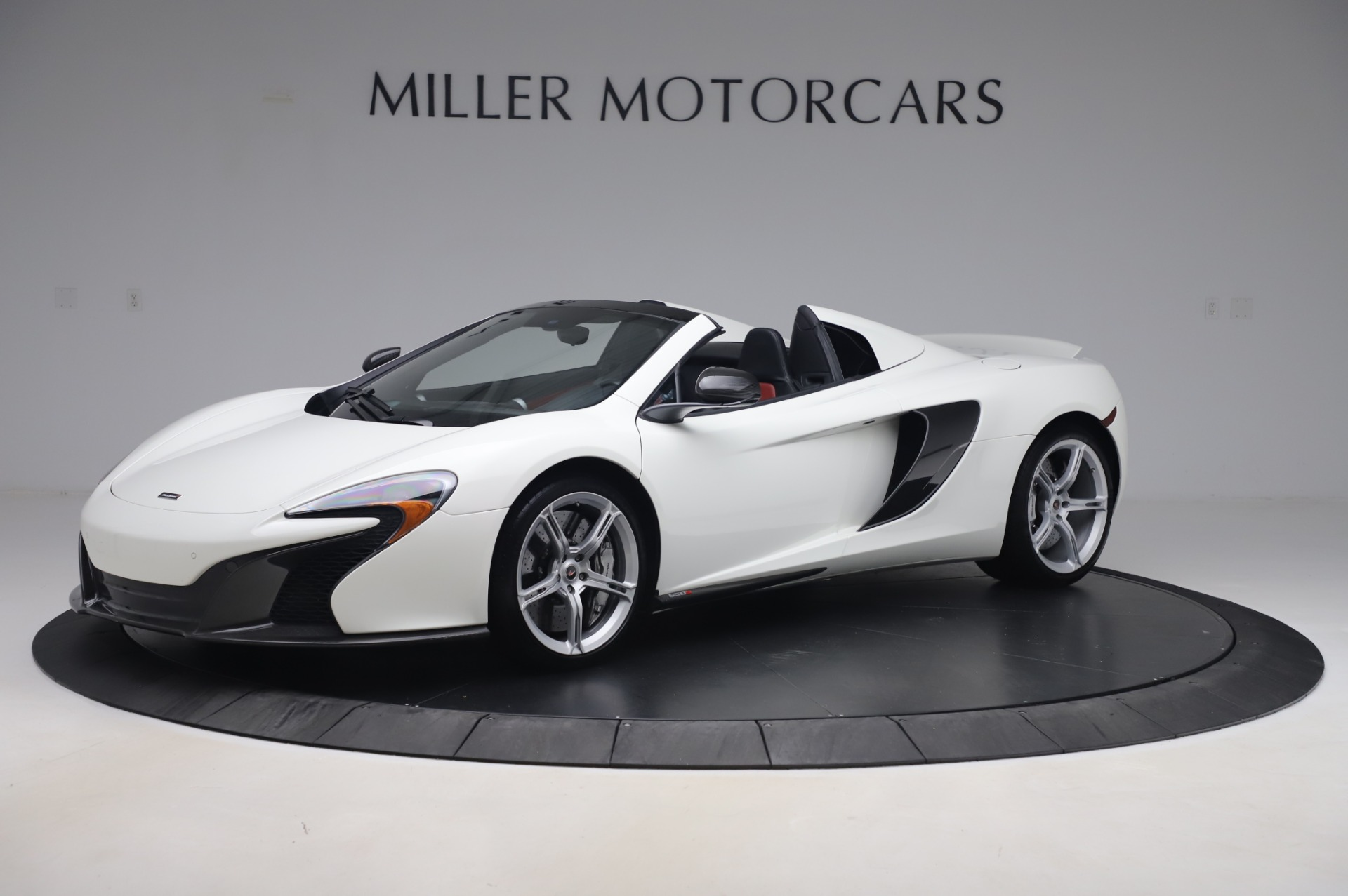 Used 2016 McLaren 650S Spider for sale $152,900 at Aston Martin of Greenwich in Greenwich CT 06830 1