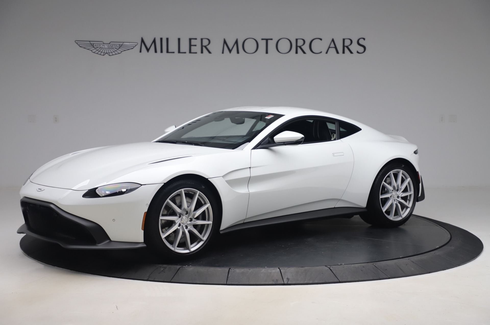 New 2020 Aston Martin Vantage for sale $181,781 at Aston Martin of Greenwich in Greenwich CT 06830 1