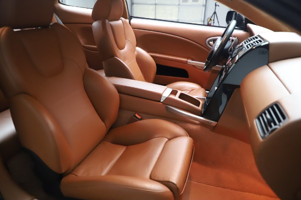 Used 2003 Aston Martin V12 Vanquish Coupe for sale $79,900 at Aston Martin of Greenwich in Greenwich CT 06830 22