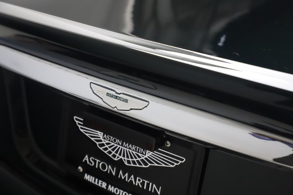 Used 2003 Aston Martin V12 Vanquish Coupe for sale $79,900 at Aston Martin of Greenwich in Greenwich CT 06830 26