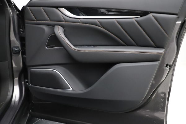 New 2020 Maserati Levante Q4 GranSport for sale $88,485 at Aston Martin of Greenwich in Greenwich CT 06830 24