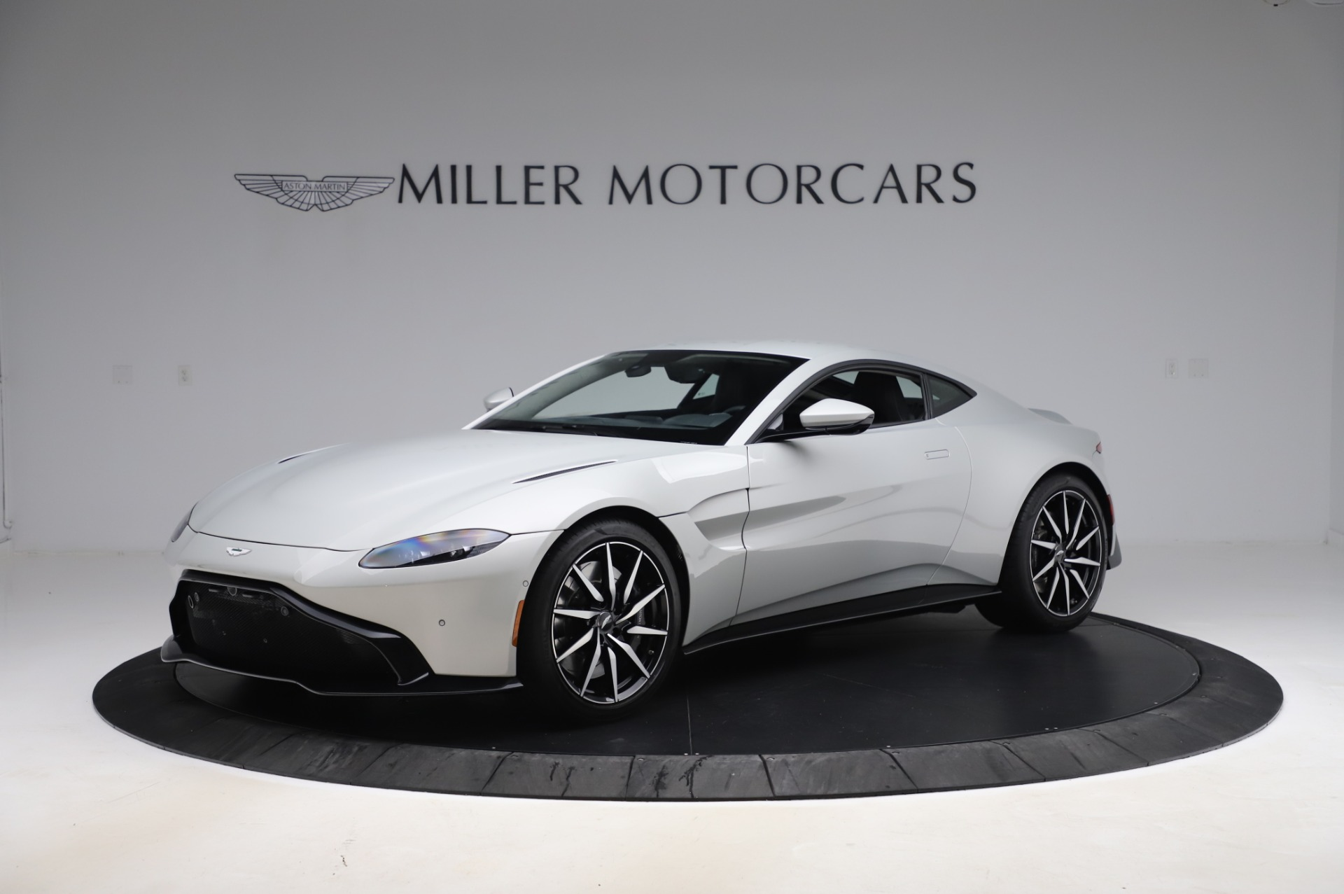 Used 2020 Aston Martin Vantage Coupe for sale $149,800 at Aston Martin of Greenwich in Greenwich CT 06830 1