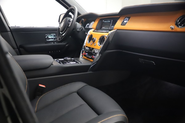 New 2021 Rolls-Royce Cullinan for sale $372,725 at Aston Martin of Greenwich in Greenwich CT 06830 18