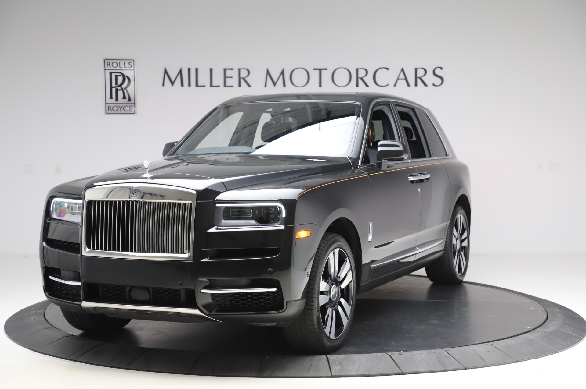 Used 2019 Rolls-Royce Cullinan for sale $349,900 at Aston Martin of Greenwich in Greenwich CT 06830 1