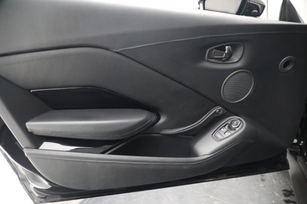 Used 2019 Aston Martin Vantage for sale $129,900 at Aston Martin of Greenwich in Greenwich CT 06830 16