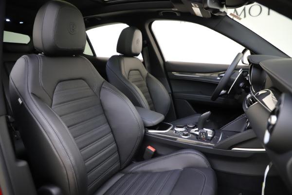 New 2020 Alfa Romeo Stelvio Ti Sport Carbon Q4 for sale $58,745 at Aston Martin of Greenwich in Greenwich CT 06830 22