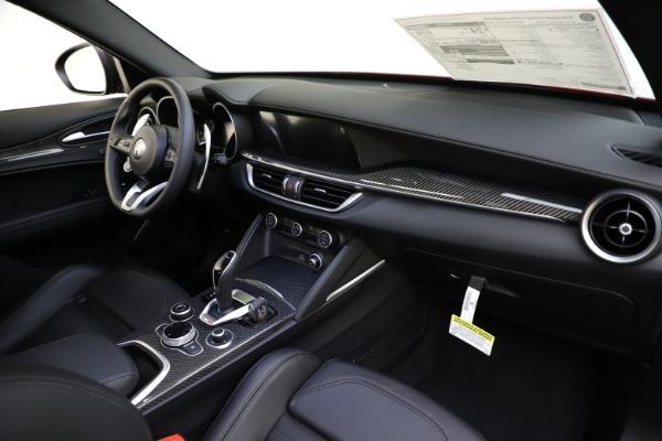 New 2020 Alfa Romeo Stelvio Ti Sport Carbon Q4 for sale $58,745 at Aston Martin of Greenwich in Greenwich CT 06830 24