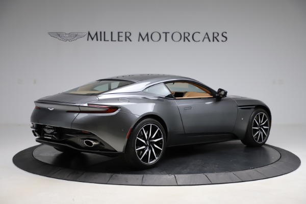 Used 2017 Aston Martin DB11 for sale $155,900 at Aston Martin of Greenwich in Greenwich CT 06830 7