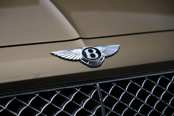 Used 2017 Bentley Bentayga W12 for sale $145,900 at Aston Martin of Greenwich in Greenwich CT 06830 14