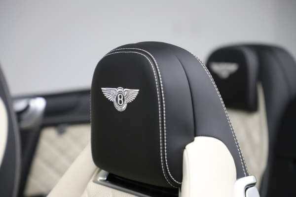 Used 2017 Bentley Continental GTC V8 S for sale $159,900 at Aston Martin of Greenwich in Greenwich CT 06830 27