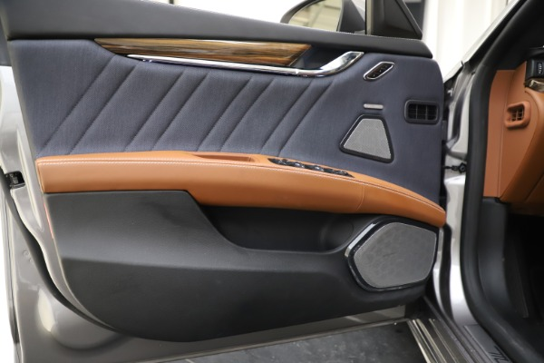 Used 2017 Maserati Quattroporte S Q4 GranLusso for sale $59,900 at Aston Martin of Greenwich in Greenwich CT 06830 17