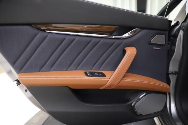 Used 2017 Maserati Quattroporte S Q4 GranLusso for sale $59,900 at Aston Martin of Greenwich in Greenwich CT 06830 21