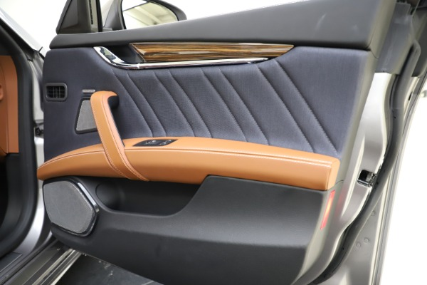 Used 2017 Maserati Quattroporte S Q4 GranLusso for sale $59,900 at Aston Martin of Greenwich in Greenwich CT 06830 25