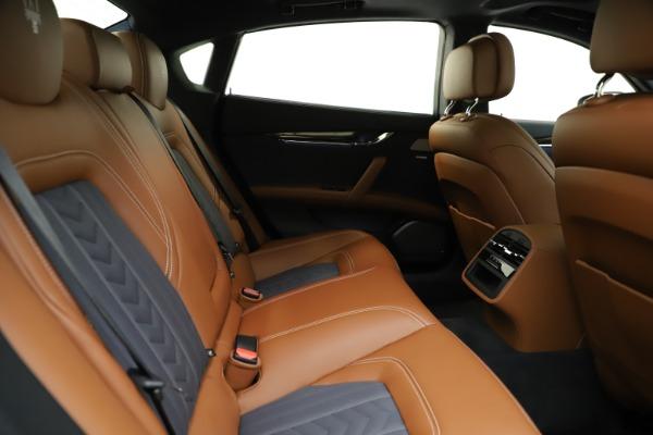 Used 2017 Maserati Quattroporte S Q4 GranLusso for sale $59,900 at Aston Martin of Greenwich in Greenwich CT 06830 27