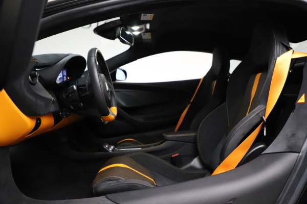 Used 2019 McLaren 570S for sale $177,900 at Aston Martin of Greenwich in Greenwich CT 06830 17