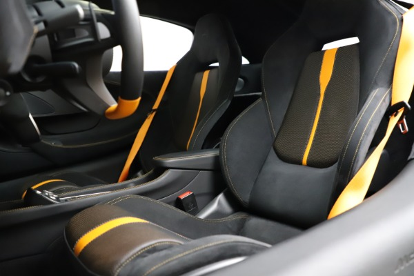 Used 2019 McLaren 570S for sale $177,900 at Aston Martin of Greenwich in Greenwich CT 06830 18