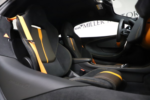 Used 2019 McLaren 570S for sale $177,900 at Aston Martin of Greenwich in Greenwich CT 06830 21