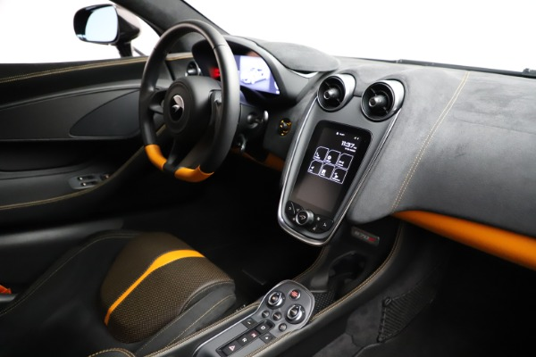Used 2019 McLaren 570S for sale $177,900 at Aston Martin of Greenwich in Greenwich CT 06830 22