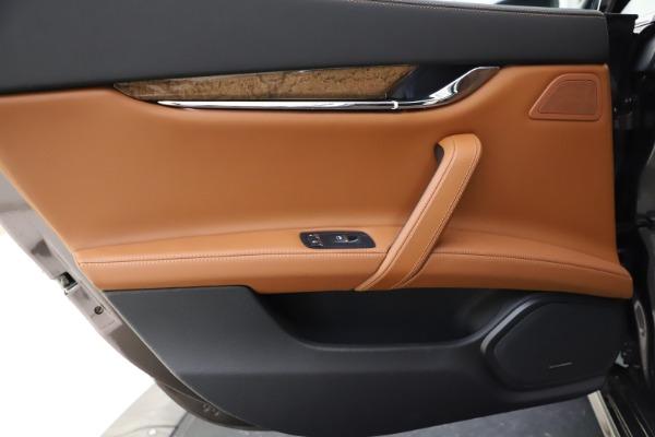 Used 2018 Maserati Quattroporte S Q4 GranLusso for sale $69,900 at Aston Martin of Greenwich in Greenwich CT 06830 21