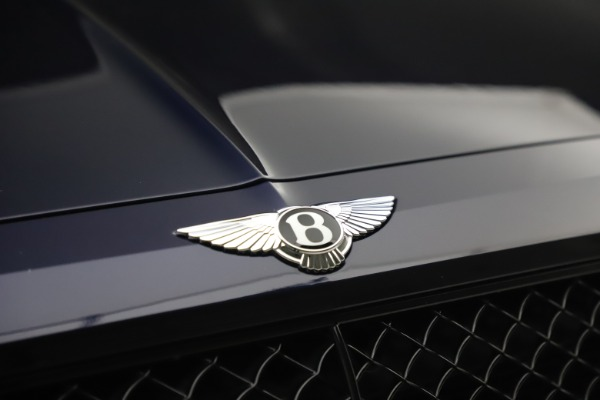 Used 2018 Bentley Bentayga W12 Signature Edition for sale $149,900 at Aston Martin of Greenwich in Greenwich CT 06830 14