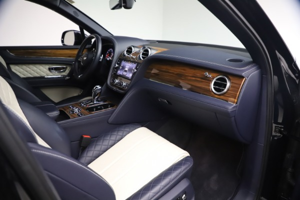 Used 2018 Bentley Bentayga W12 Signature for sale $154,900 at Aston Martin of Greenwich in Greenwich CT 06830 24