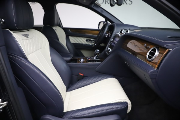Used 2018 Bentley Bentayga W12 Signature for sale $154,900 at Aston Martin of Greenwich in Greenwich CT 06830 25
