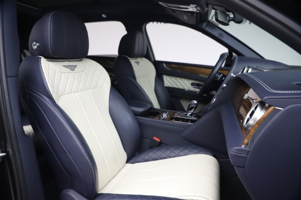 Used 2018 Bentley Bentayga W12 Signature Edition for sale $149,900 at Aston Martin of Greenwich in Greenwich CT 06830 26