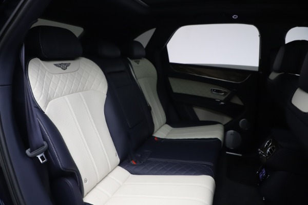 Used 2018 Bentley Bentayga W12 Signature Edition for sale $149,900 at Aston Martin of Greenwich in Greenwich CT 06830 28