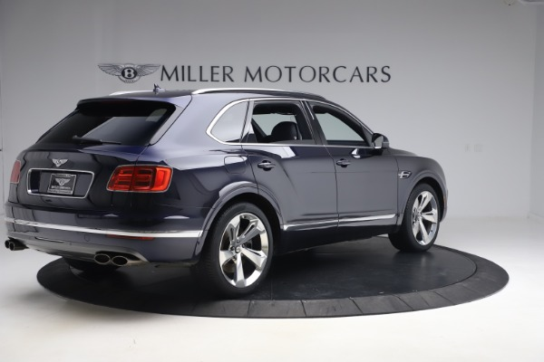 Used 2018 Bentley Bentayga W12 Signature Edition for sale $149,900 at Aston Martin of Greenwich in Greenwich CT 06830 8