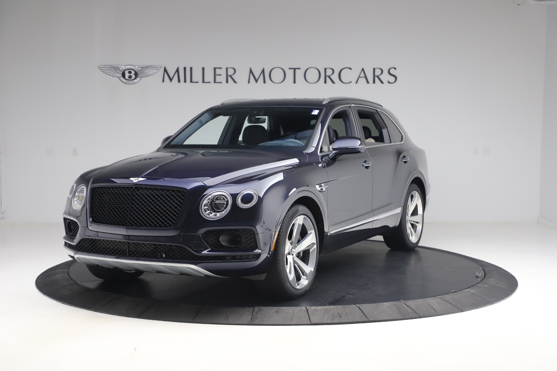 Used 2018 Bentley Bentayga W12 Signature for sale $154,900 at Aston Martin of Greenwich in Greenwich CT 06830 1