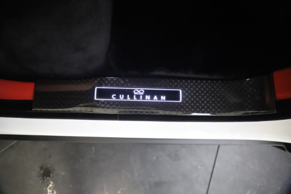 New 2021 Rolls-Royce Cullinan Black Badge for sale Sold at Aston Martin of Greenwich in Greenwich CT 06830 23
