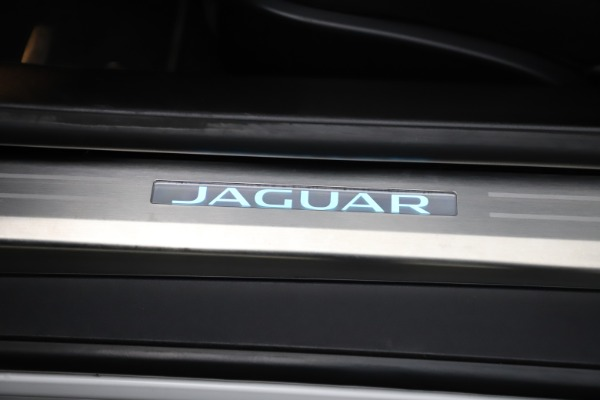 Used 2016 Jaguar F-TYPE R for sale Sold at Aston Martin of Greenwich in Greenwich CT 06830 25
