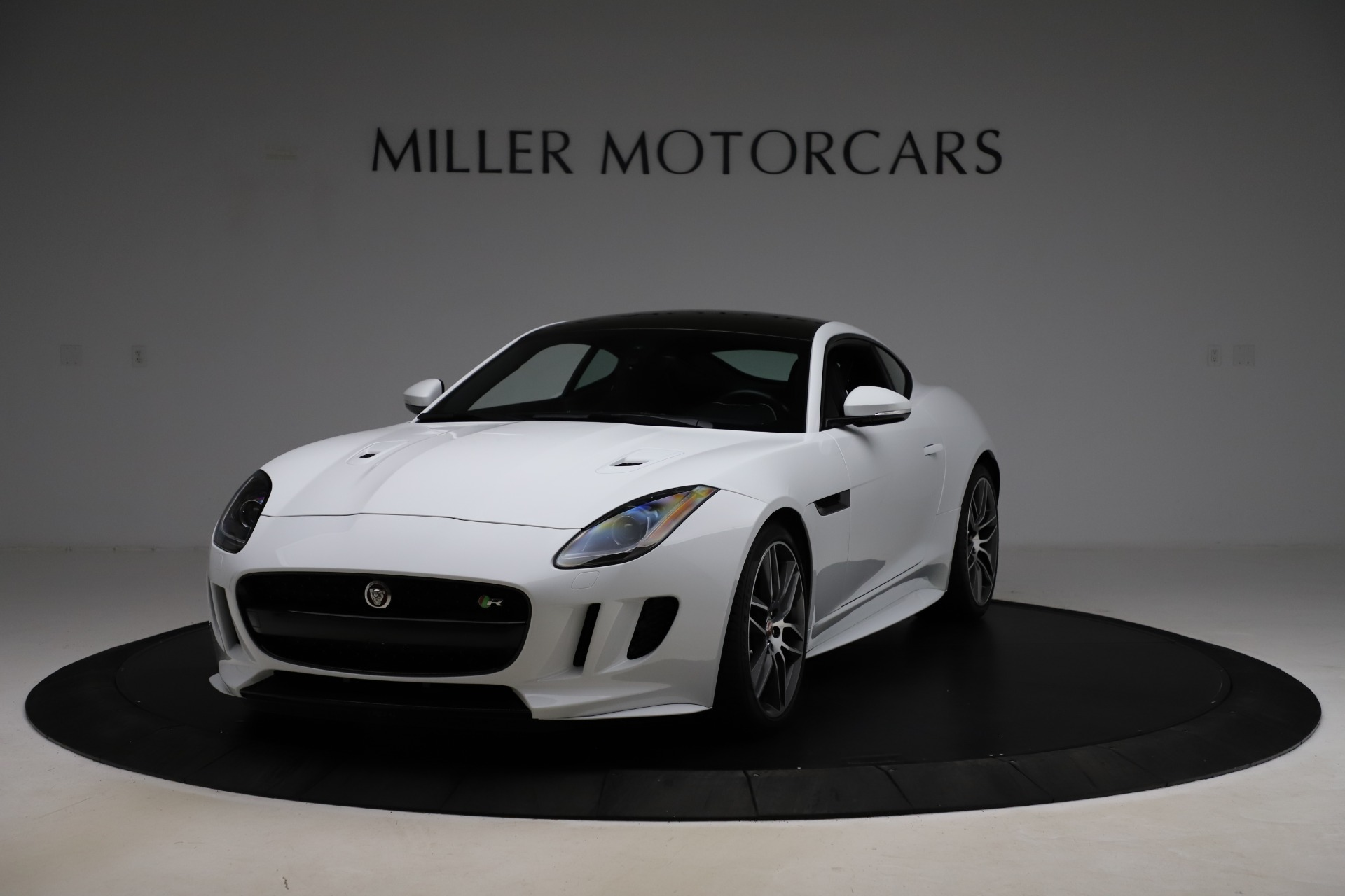 Used 2016 Jaguar F-TYPE R for sale Sold at Aston Martin of Greenwich in Greenwich CT 06830 1