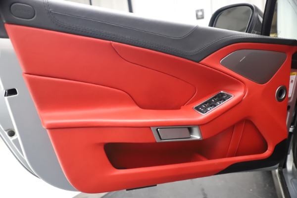 Used 2014 Aston Martin Vanquish Volante for sale $129,900 at Aston Martin of Greenwich in Greenwich CT 06830 23