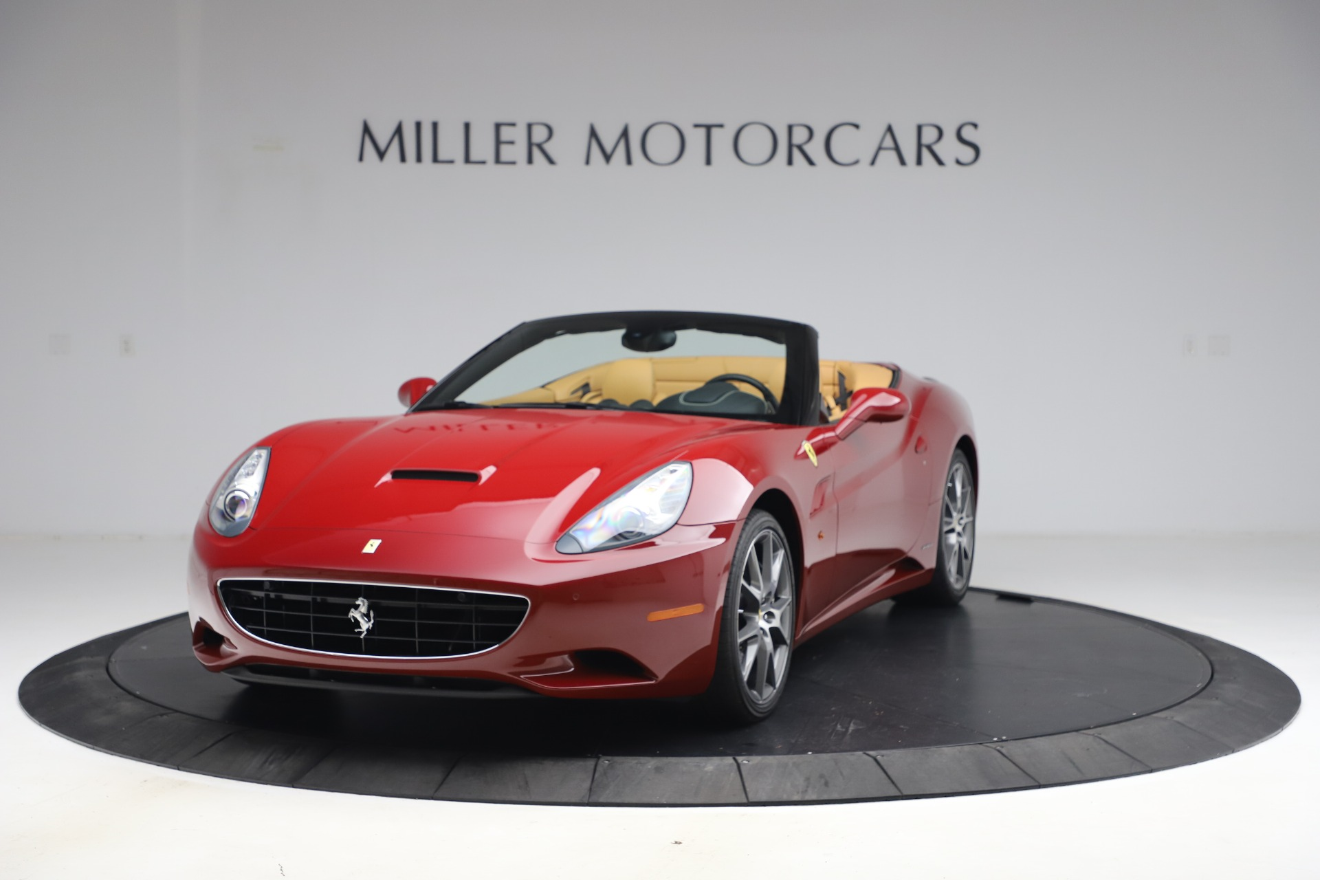 Used 2014 Ferrari California 30 for sale Sold at Aston Martin of Greenwich in Greenwich CT 06830 1
